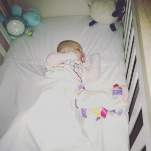 using the Cosi bed sheet to help babies sleep no matter what the weather